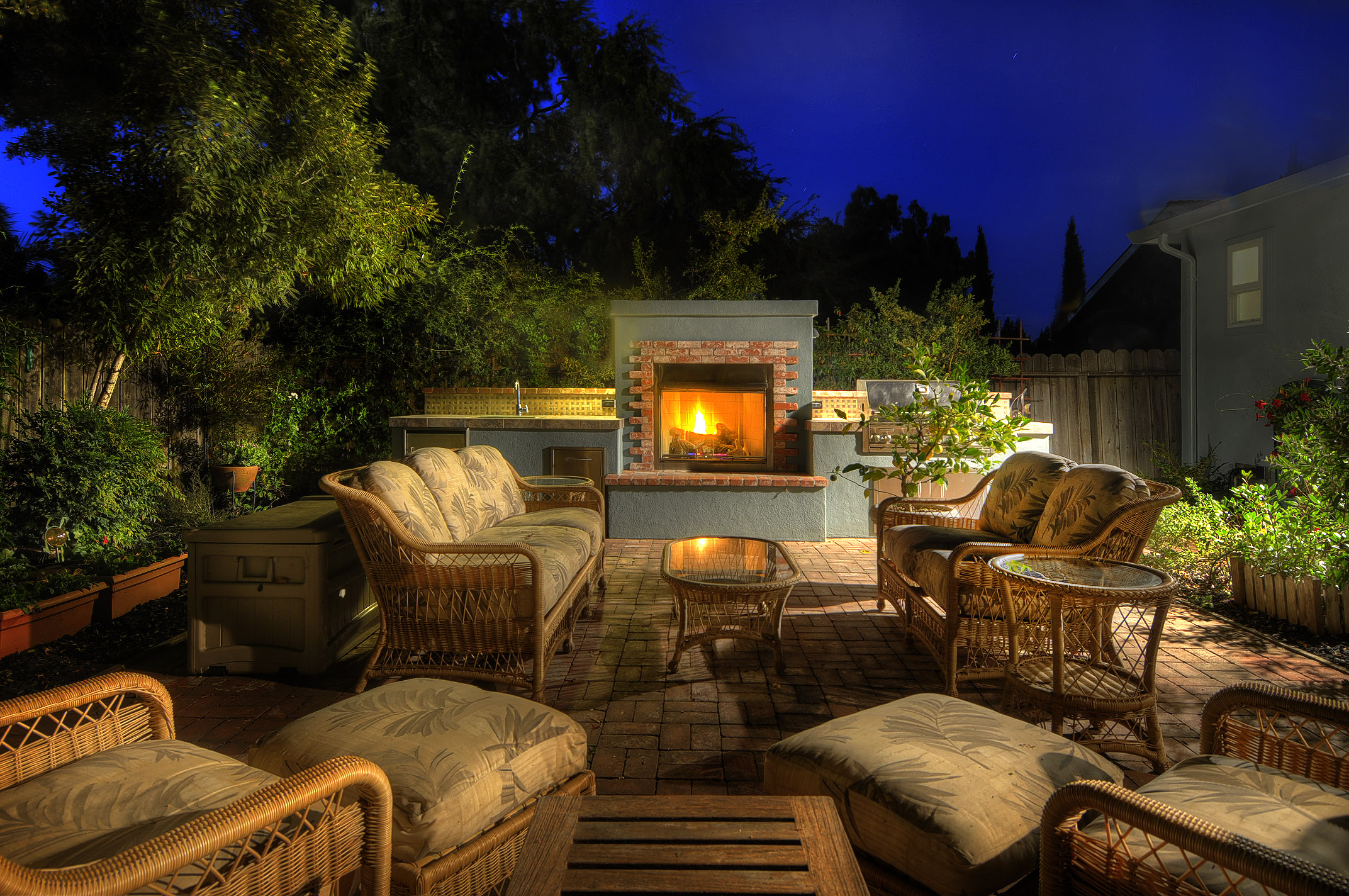 Backyard Parties At Night : Coming This Weekend 1700 Greenwood Avenue, San Carlos ? The White